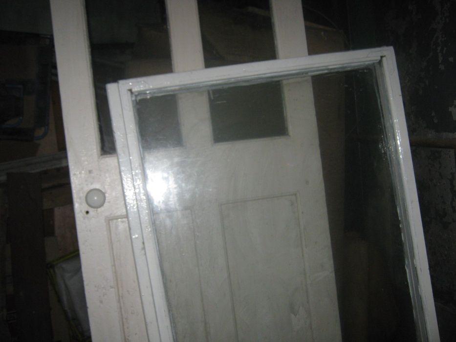 Окна деревянные Б/у (большое и маленькое)