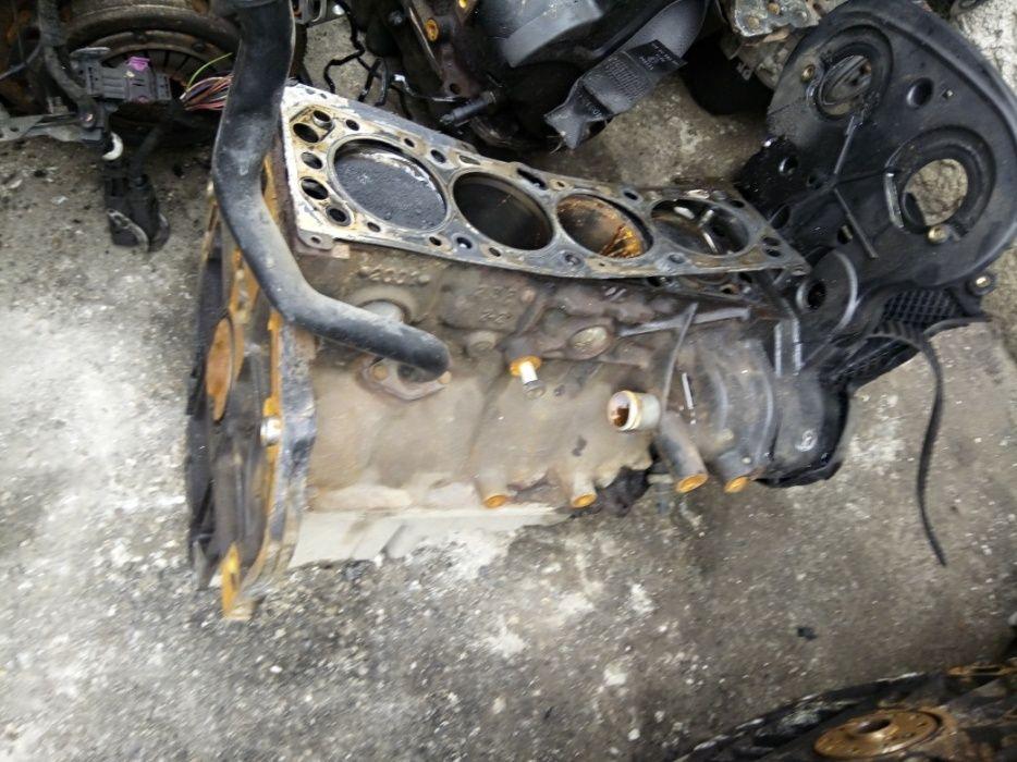 Bloc motor/baie ulei/pistoane/opel astra G/zafiraA,1.6,74kw,101cpZ16XE