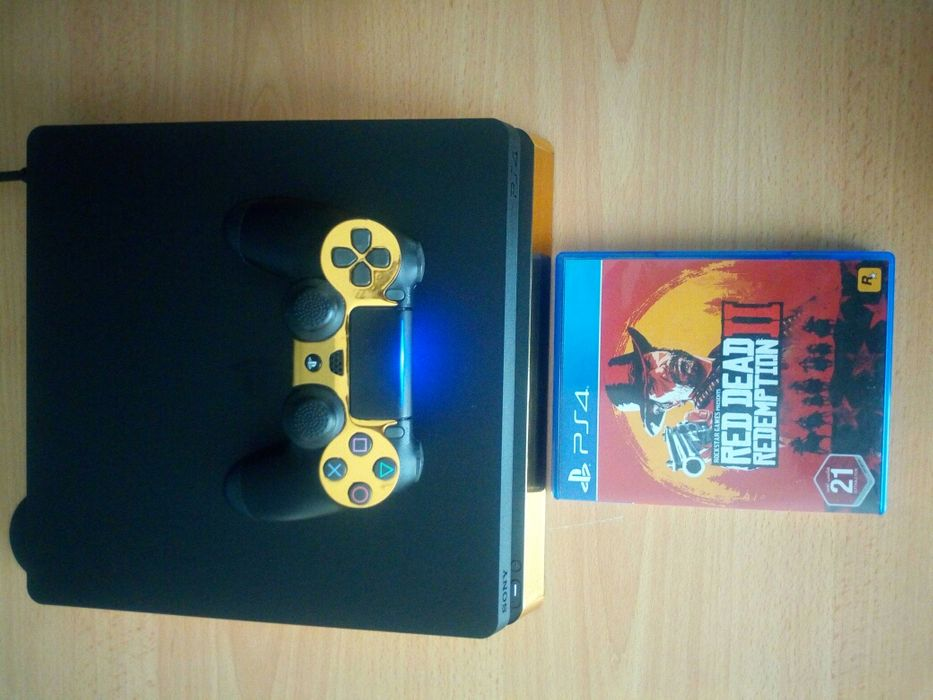 PlayStation 4 Slim Semi-novo 500gb + 1joystick + 1 jogo