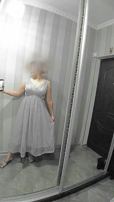 Продам красивое платье размер48-50.