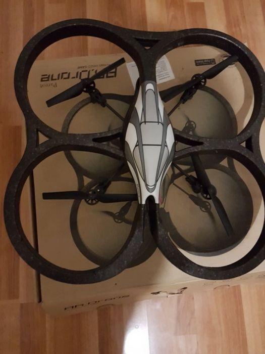 Drona Parrot Ar si Ar2