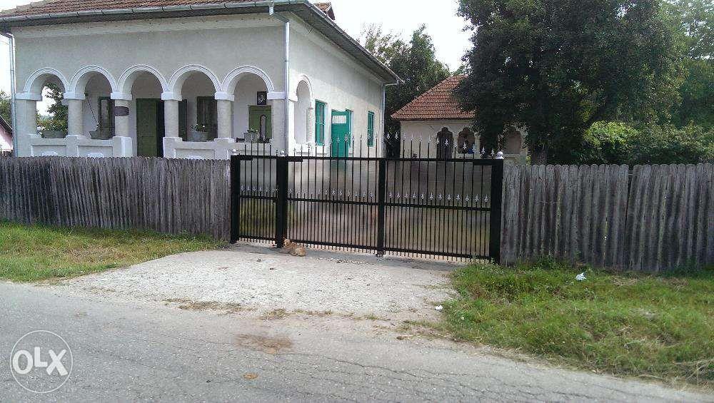 Vanzare  casa  4 camere Valcea, Daesti  - 84490 EURO