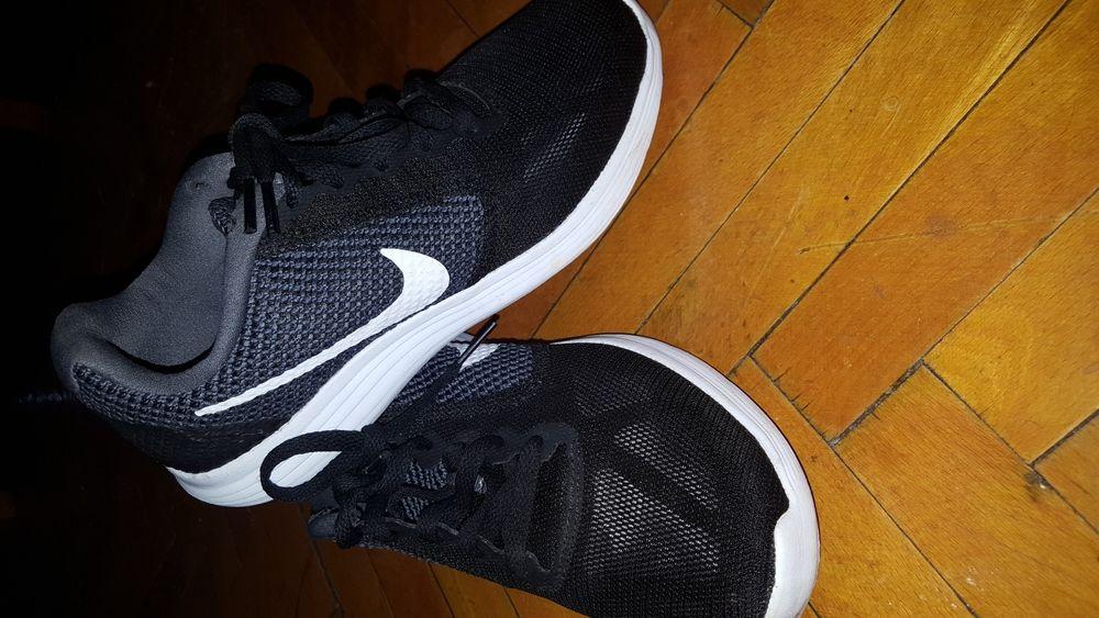 Adidasi Nike 36. Pantofi. Tenisi.