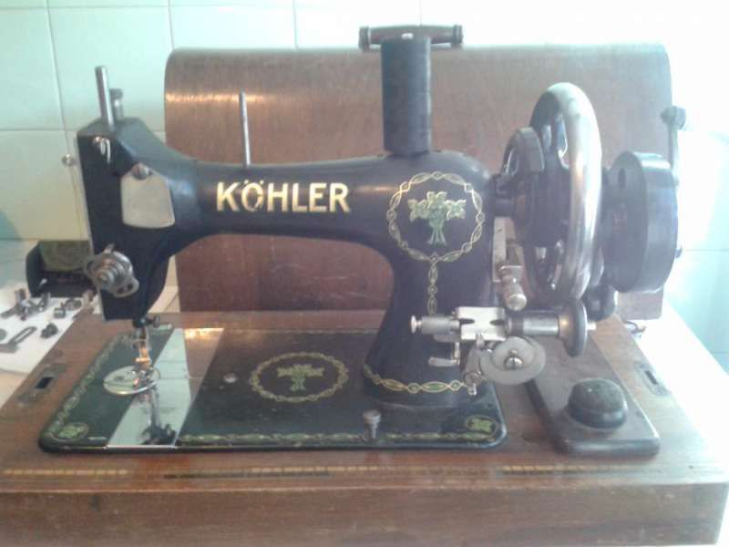 Продавам ръчна шевна машина КЬОЛЕР-1942г