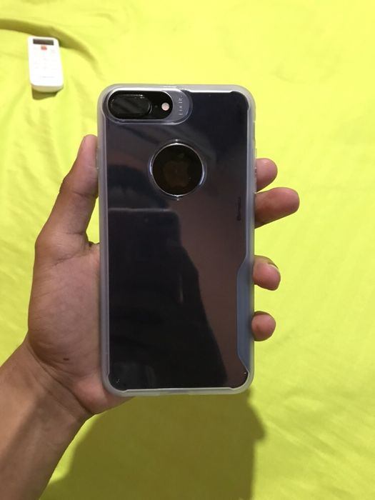 iPhone 7 Plus Jet Black 128 inclui Pasta