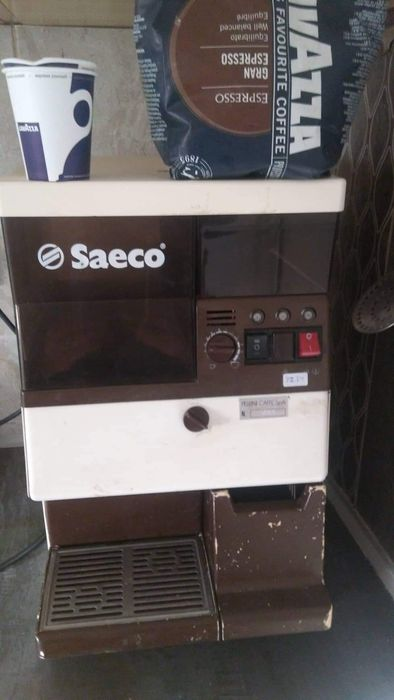Продавам кафе машина saeco