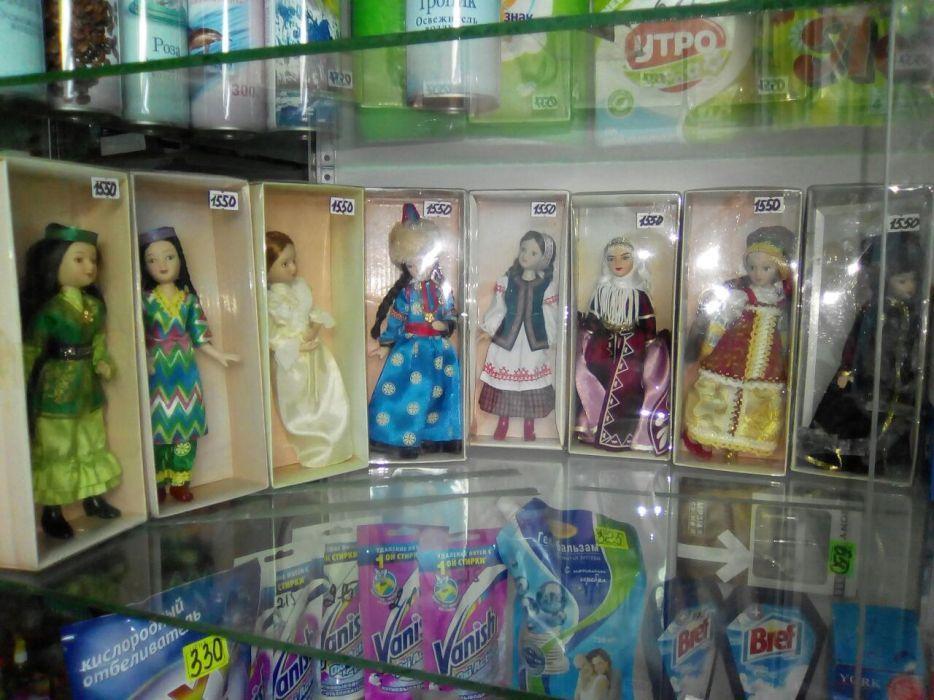 Продам кукол народов мира