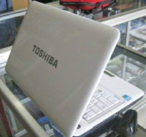 Portátil Toshiba á venda