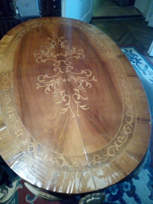 Vând masa din coarne de cerb cu 4 scaune