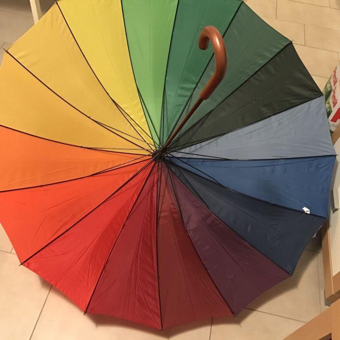 Vând umbrela Gentleman marca Happy rain model deosebit
