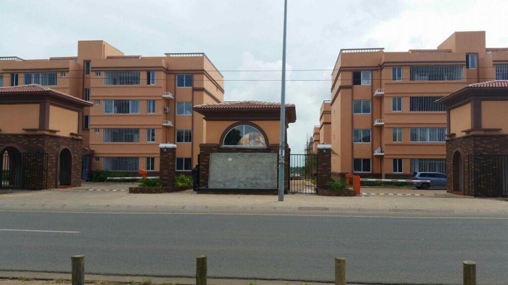 Vende tp2 no condominio kings village da Matola Cidade de Matola - imagem 1