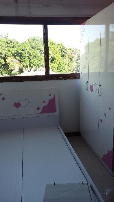 Conjunto de Quarto juvenil da hello kity cor Branco é rosa.entrega e m