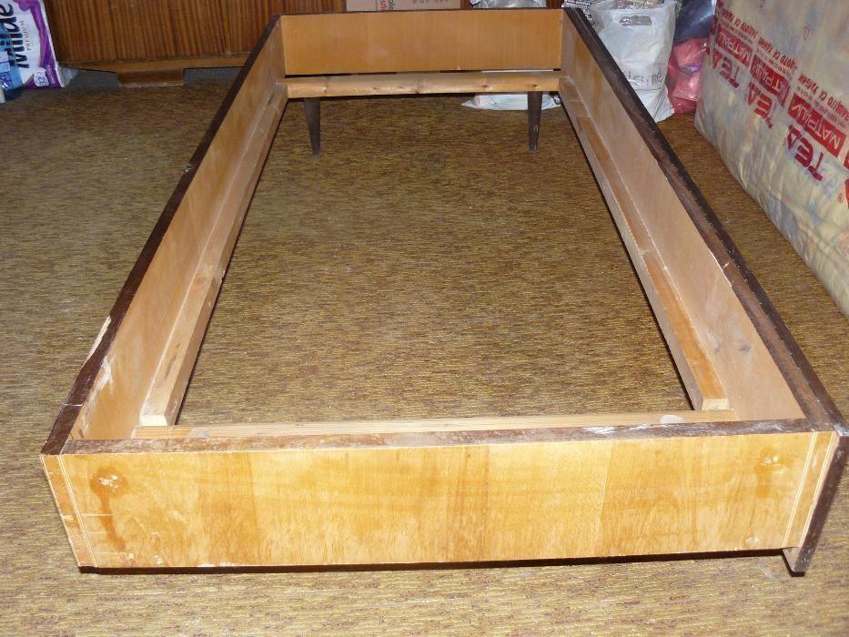 Легло за еднолицев с твърда рамка матрак