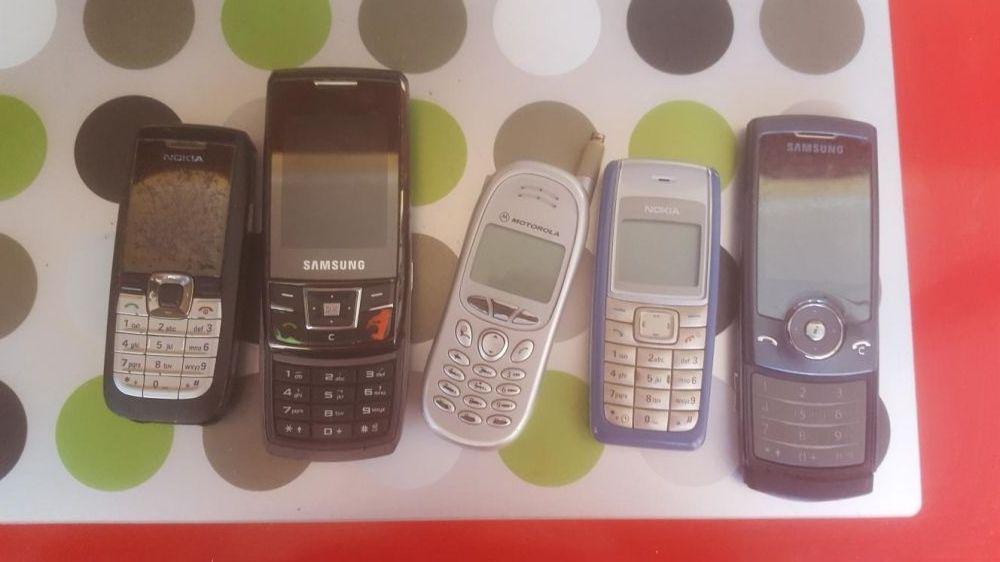 Vand telefoane vechi