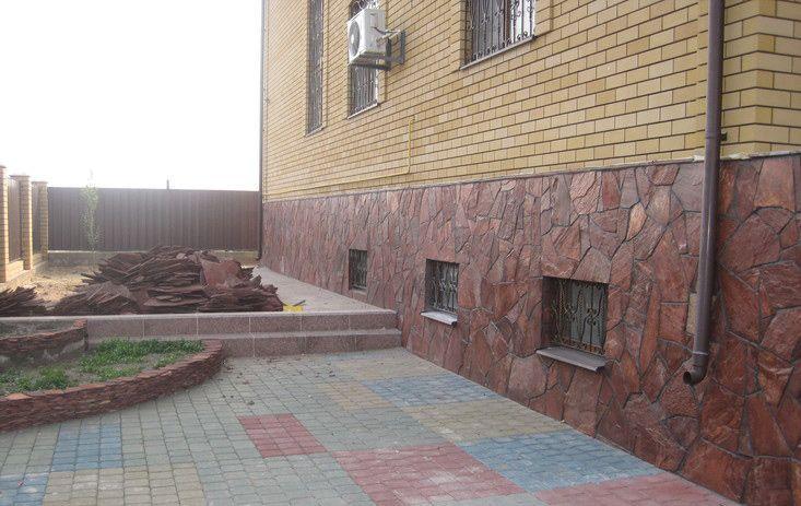 Плитняк для отделки стен фундамента