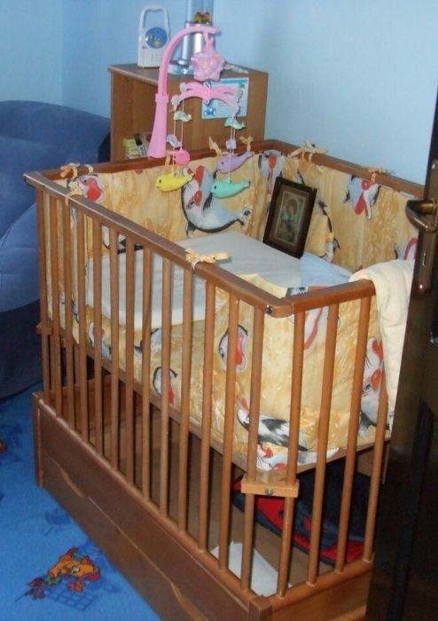 Pătuț pt.bebeluși+saltea+lenjerie