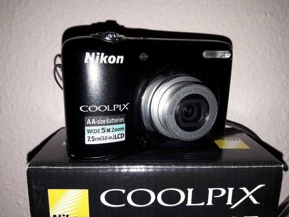 Vand camera foto compacta Nikon Coolpix