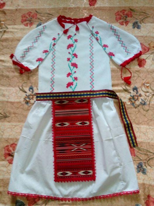 Costum popular fetite 8-10 ani