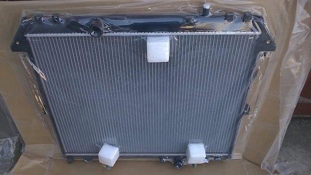 Радиатор охлаждения 2.7 л Toyota Hilux/ Fortuner/Хайлюкс / Фортунер