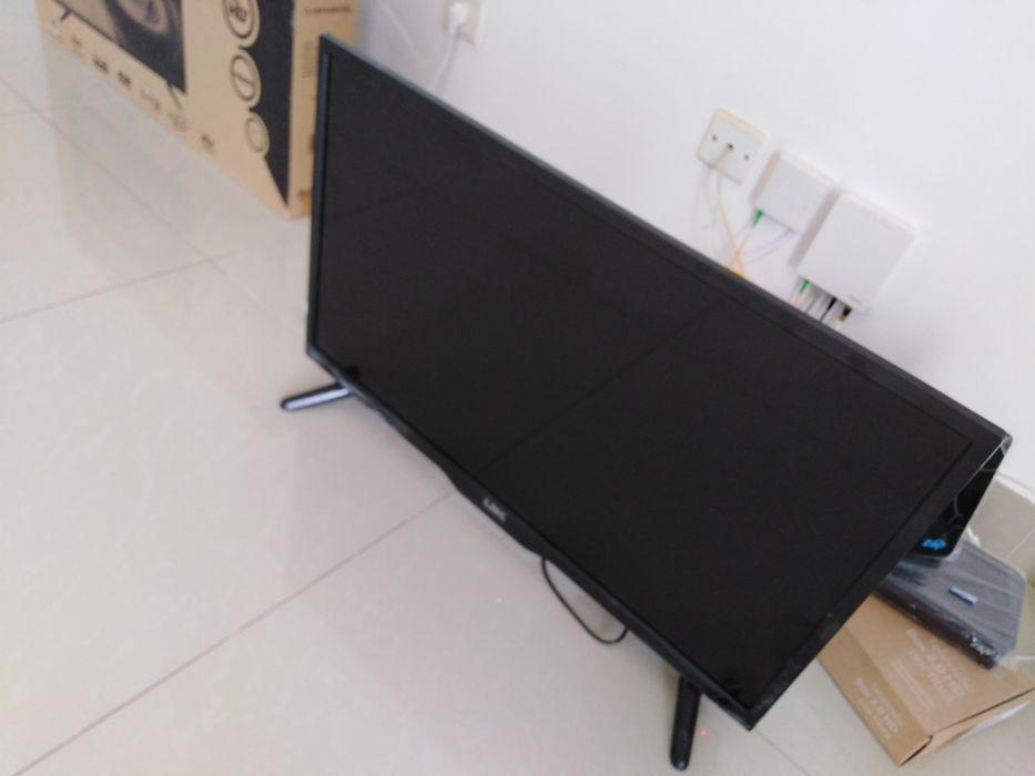 """Vendo TV LED 32"""" fina da marca Link"""
