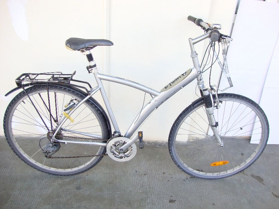 "Bicicleta 28"" B'Twin 5 Concept Decathlon ( necesita reparatii )"