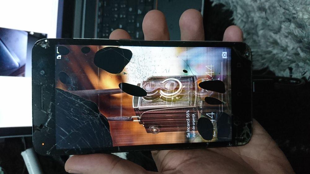 Huawei honor 4x Che2-l11 pentru piese.placa de baza buna