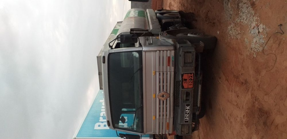 Renault cisterna gasoleo