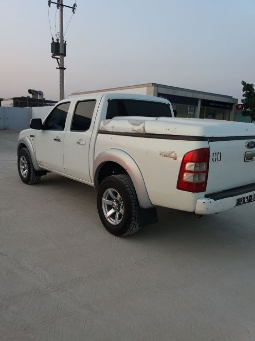 Carrinha Ford