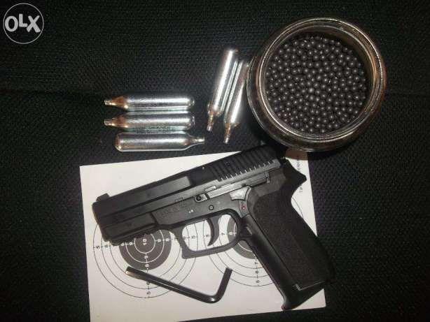 Pistol airsoft GREU (cu Aer Comprimat) Model COLT + Butelii si BileCO2