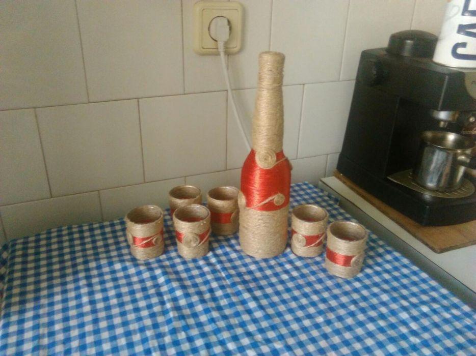 Sticla cu pahare de tuica handmade