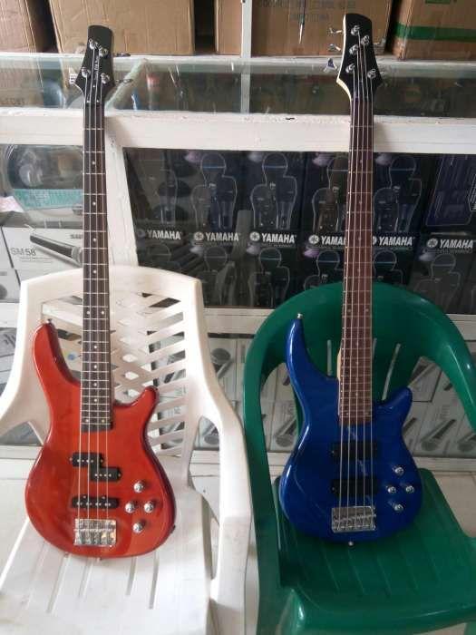 Guitarra baixo novas d 5 e 4