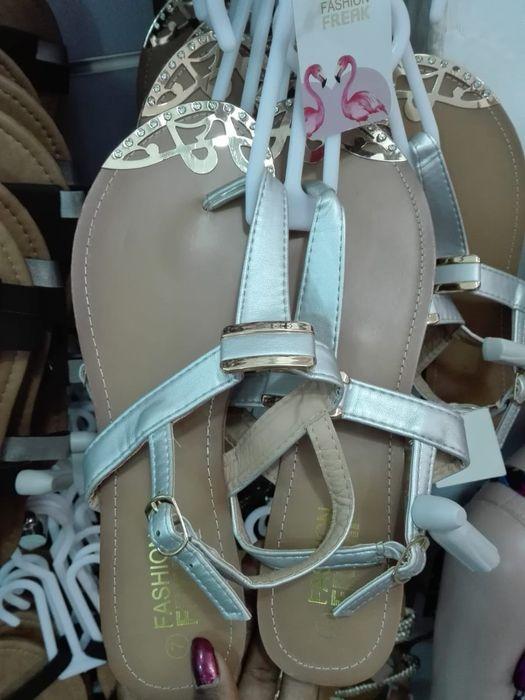 Sandálias e chinelos Cidade de Matola - imagem 2
