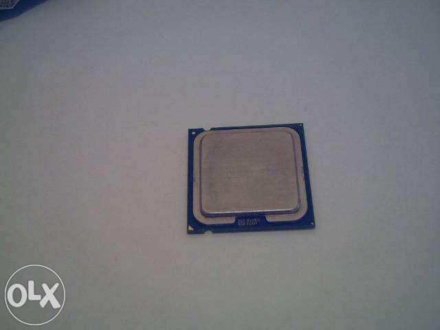 Procesor Intel quad core si hdd 320 gb