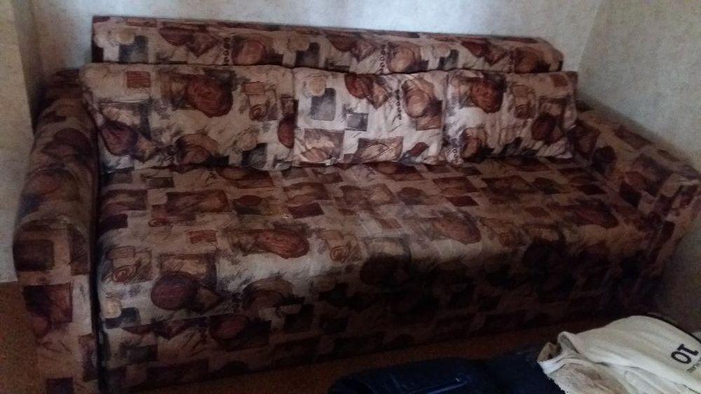 Продавам диван - легло
