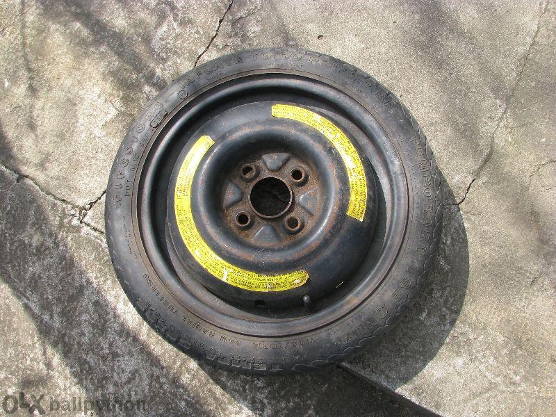 """компактна резервна гума 14"""",4х100 патерица, ценгрален отвор 57"""