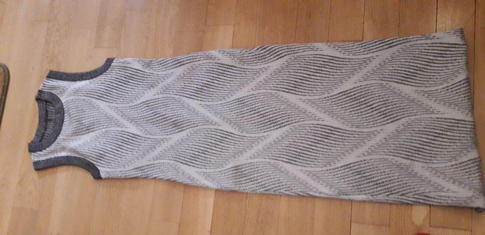 Rochiță eleganta lucrata cu elastan si fir mame argintiu