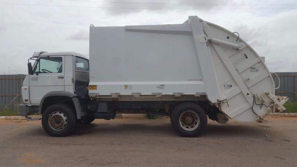 Camião compactador de lixo Vw