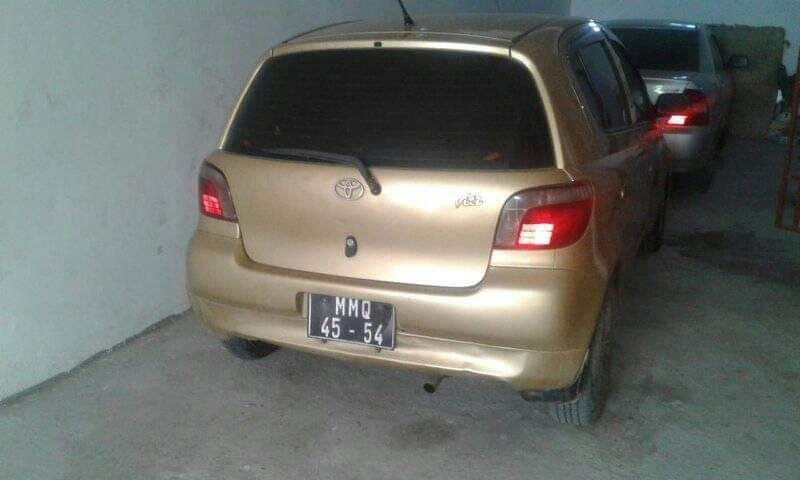Toyota vitz bem conservado Alto-Maé - imagem 1
