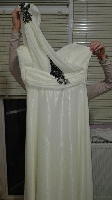 Официална, асеновградска, бяла рокля