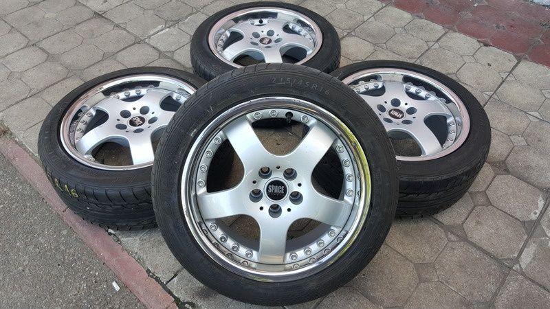 Jante Space Wheels 7.5x16 et 35 5x100