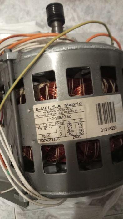 Ел.двигател от пералня с горно зареждане Whirlpool