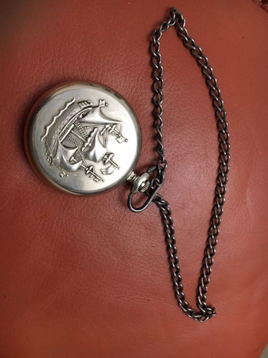 Антикварен джобен часовник Мълния Молния (Molnija) с кораб