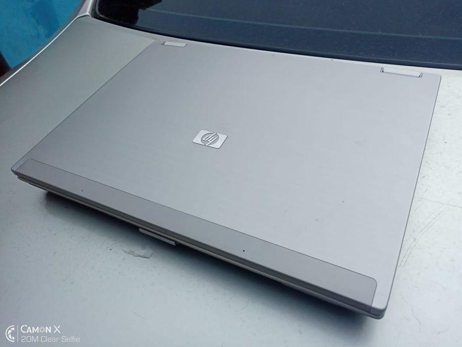 HP EliteBook 6930p Core 2Duo (3th geração) 14.4 320GB HD - 4GB DDR2