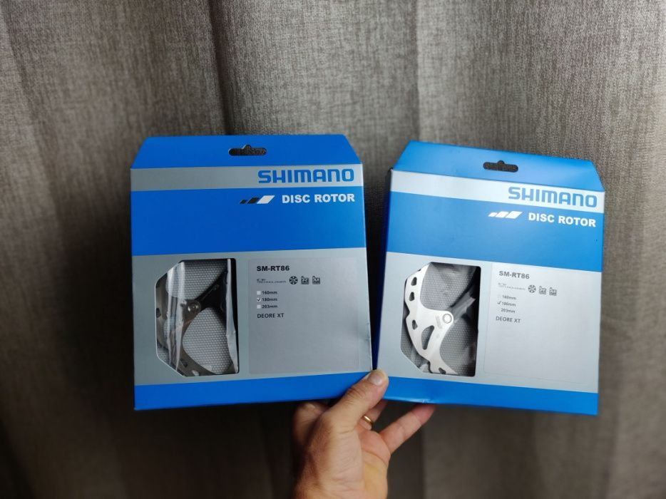 Kit de Discos Shimano Deore XT 6 parafusos Ice-Tech 180mm