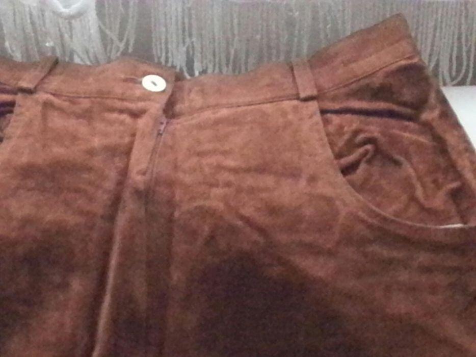 Pantaloni din piele întoarsă
