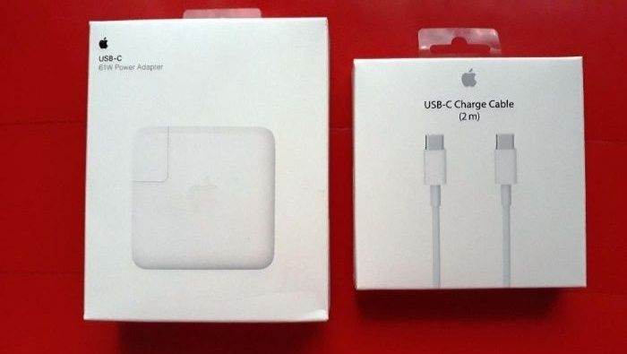 "Incarcator priza +Cablu USB-C 61W ORIGINAL Apple Macbook Pro 13"" A1706"