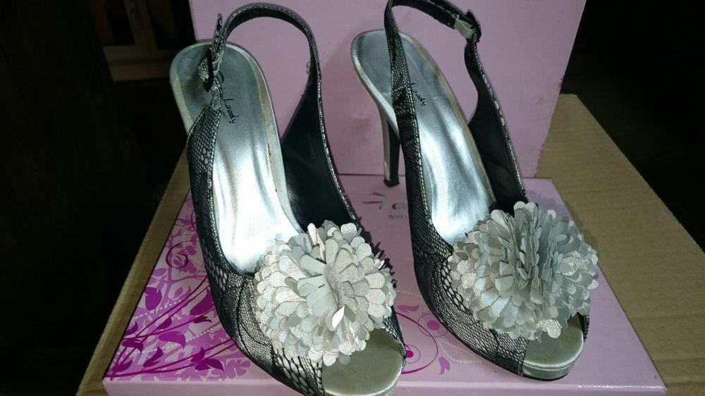 Елегантни дамски обувки -38 номер