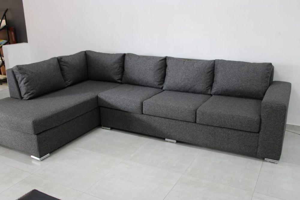 Sofa L moderno de 3 lugares e uma cama disponivel