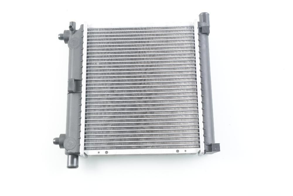 радиатор НОВ за MERCEDES 190/W201 (82-)