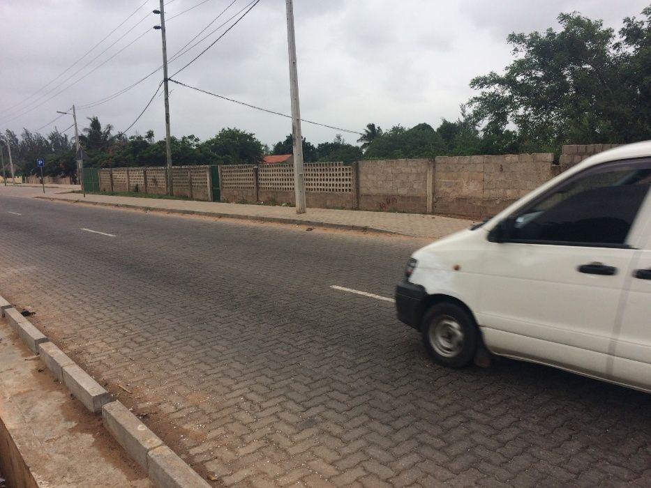 Romao 50\80 Vedado a BERMA DA ESTRADA Rua da Linha Ferrea z.Vip* Maputo - imagem 5